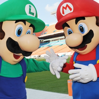 Mario and Luigi at the Sun Life Stadium